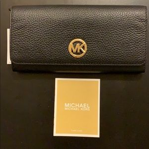 NEW Micheal Kors Fulton Flap Continental Wallet